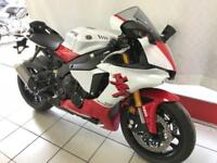 YAMAHA YZF-R1, 2018 MODEL IN 20th ANNIVERSARY WHITE RED LIVERY...