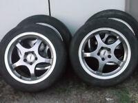 4 mag  et 4 pneu