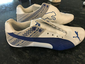 MEN'S SIZE 11 BLUE & WHITE PUMAS