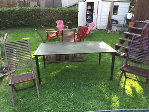Table et chaise de patio