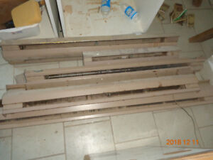 Free : 240V baseboard heaters / radiators