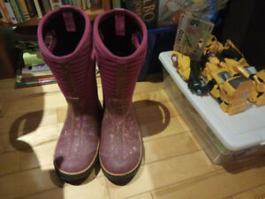 Bogs winter boots for girls- size 1 (youth size)