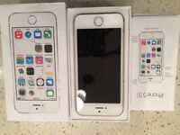 iPhone 5s 16 gb - gold colored