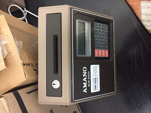 MJR 7000 -TIME CLOCK 500 TIME CARDS & 25 SLOT CARD RACK INCLUDED