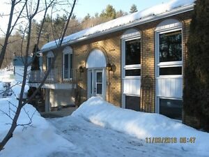 299000 living in the country and close to the city 40 min Ottawa
