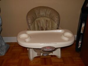 chaise haute space saver ( fisher price )