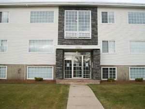 Beautiful 2 Bedroom Apartment-13530-109 A Avene-Glenora Area Edmonton Edmonton Area image 1