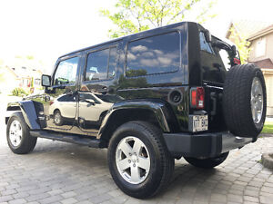 2011 Jeep Wrangler unlimited Sahara VUS