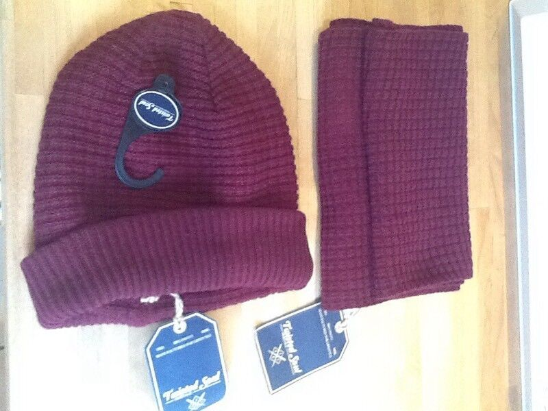 Twisted Soul brand new tagged Mens hat and scarf set wool mix