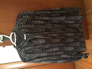 Banana Republic blouse with necktie, size small!