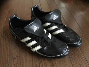 ADIDAS BOYS / MEN'S SOCCER SHOES