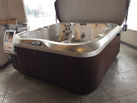 JACUZZI ANCASTER - FLOOR MODEL CLEARANCE - J375 - SAVE 1000'S!