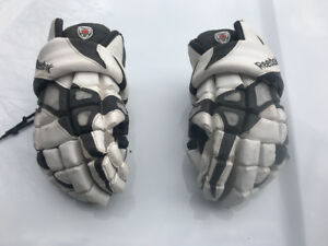 "Lacrosse gloves 12"" Reebok 7K mint  condition $35"