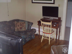 Central - Pet Friendly - Walking Distance to all Amenities