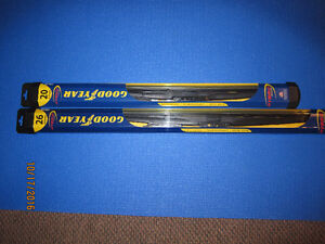 2 Wiper Blades 26 and 20 inch - fit a Dodge Grand Caravan London Ontario image 1