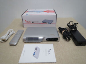 New PIQS Smart HD LED Portable Pico Projector HDMI Android WiFi