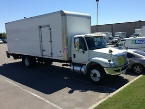 2012 INTERNATIONAL 4300 DRY VAN 26 FOOT BOX