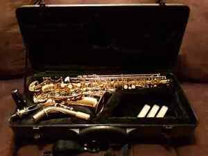 Roy Benson AS-101 Alto saxophone