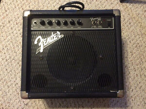 Fender Frontman Amp Practice Guitar in good condition