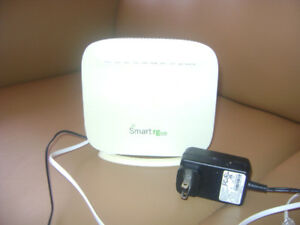 Smart RG SR505N internet modem / router in like new condition