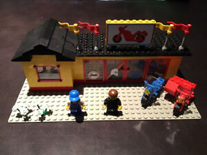 LEGO City 6373 Motor Cycle Shop 100% Complete
