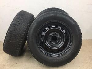 4 pneus d'hiver/Jantes 205/65R15 Nokian Hakkapeliitta 8