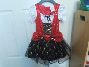 GIRL'S PIRATE COSTUME SIZE 4-6