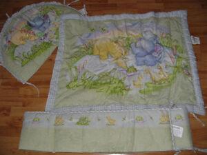 Douillette pour lit de bébé avec forme 3 D et texture bruyante