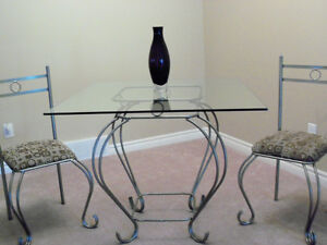****BEAUTIFUL DINING TABLE SET WITH ELEGANT GLASS ACCENT**** Stratford Kitchener Area image 8