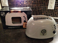 Winnipeg Jets Toaster - works fine, used once