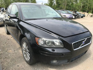 2005 Volvo S40  ** FOR PARTS ** INSIDE & OUTSIDE **