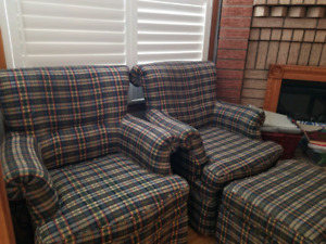 Selling 2 sofas with foot rest