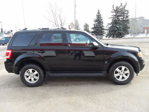 2010 Ford Escape Limited SUV *AWD*SUNROOF*HEATED SEATS*