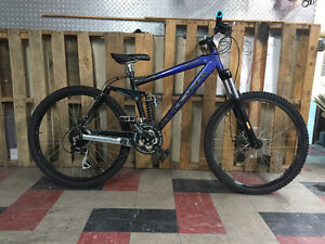 Kona Stinky full suspension mountian bike