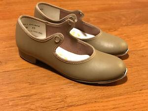 Souliers de claquette fille 10 1/2 Little girl tap dance shoes