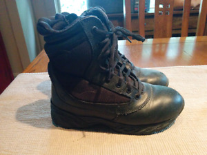 Motorcycle boots 7.5 (women)