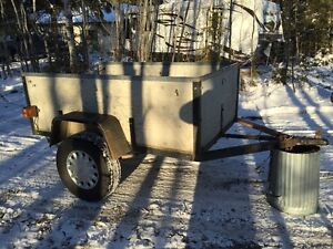 4' x 6' Utility Trailer c/w lights & new certified trailer tires