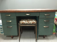 Vintage Desk, Well Built, Like NEW