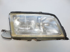 Mercedes C230 C280 1997-2000 Headlight Assembly Right 2028202861