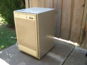 30 PINTS DANBY DEHUMIDIFIER WORKS GREAT DON'T HAVE ORIGINAL PAN