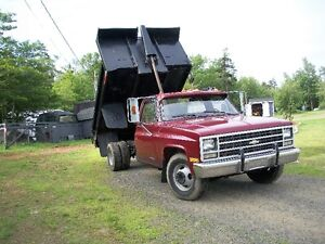 1989 Chev 1Ton with dump