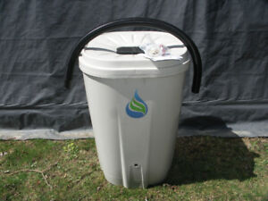 FreeGarden Rain Barrel - Never used