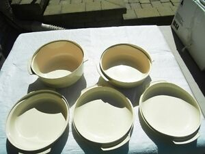 Ensemble plat Tupperware