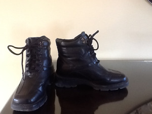 For Sale:  Woman's Winter Boot