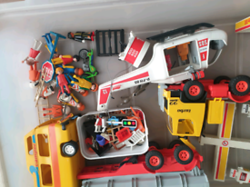 JIBLOT OF VINTAGE PLAYMOBILE ITEMS FIRE TRUCK 🚒 HELICOPTER ETC