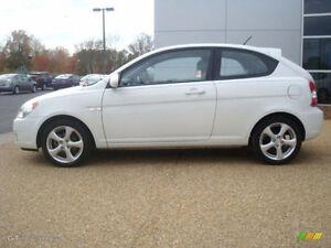 2008 Hyundai Accent White Hatchback