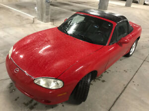 Mazda Miata 2002 impeccable
