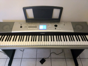Yamaha Piano YPG-525 w/ Foot Pedal