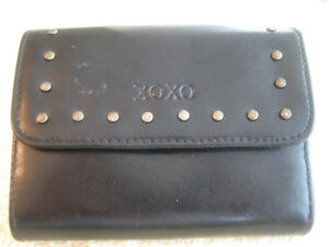 "NEW COMPACT ""HUGS & KISSES"" BLACK WALLET.....[NEVER USED]"