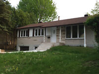 maison a louer / house for rent in Pierrefonds (Rue Alma)